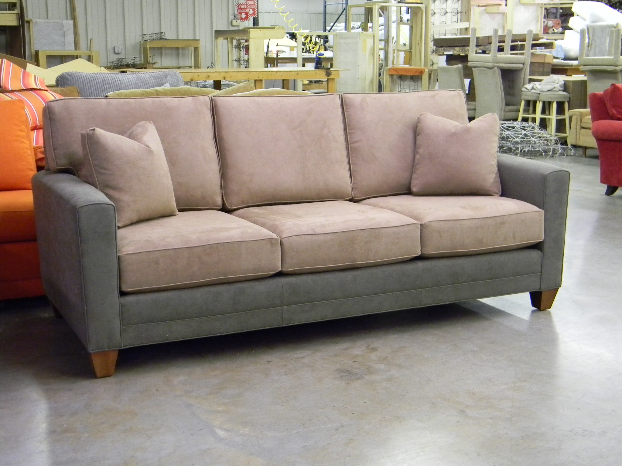 Sofas and loveseats sectionals sectional sofas custom for Furniture north carolina