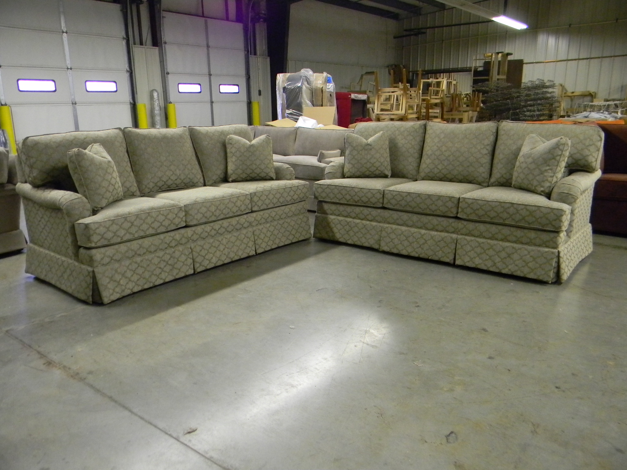 Sofas and loveseats sectionals sectional sofas custom for Sectional sofas north carolina